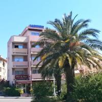 Hotel Pictures: Hôtel Maya, Cavalaire-sur-Mer