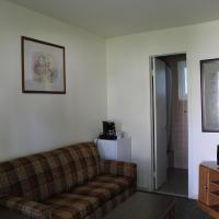 Deluxe Cottage (4 Adults)