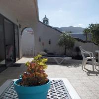 Hotel Pictures: Bellatere, Famara