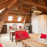 Hotel Pictures: Chambre d'Hôtes des Grands Moulins de Baugé, Baugé