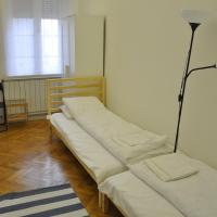 Family Two-Bedroom Apartment - 1015, Donáti u. 53