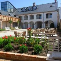 Hotel Pictures: Penzion Majorka, Slatinice