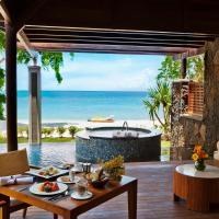 Pool Suite Beachfront