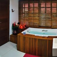 Family Two-Bedroom Suite with Jacuzzi