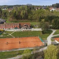 Hotel Pictures: Hotel & Tennis Riederhof, Mantscha