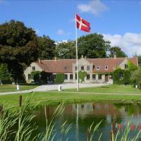 Hotel Pictures: Lille Restrup Hovedgaard, Ålestrup