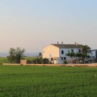 Hotel Pictures: Masia Llambrich, Deltebre