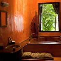 Suite with Bath Tub