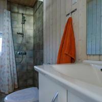 Hotel Pictures: Stenene 101 Holiday House, Martofte