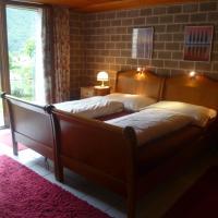 Hotel Pictures: Casa Sot Gesa, Tegna