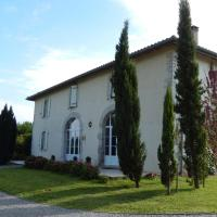 Hotel Pictures: Le Clos Larroze, Pouillon