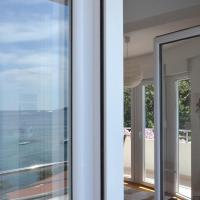One-Bedroom Apartment with Balcony and Sea View (4 Adults)
