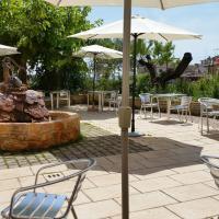 Hotel Pictures: Mesón de Colungo, Colungo