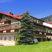 Hotel Pictures: Hotel Kerschbaumer, Russbach am Pass Gschütt