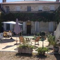 Hotel Pictures: Chambres d'Hôtes Domaine les Massiots, Lamothe-Landerron
