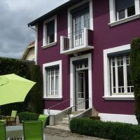 Hotel Pictures: La Maison Pourpre, Tarbes