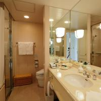 Executive Suite Twin Room with 2 Sofa Beds - Non-Smoking