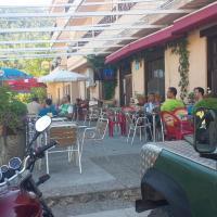 Hostal Restaurante Los Bronces