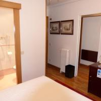 Triple Room with Balcony with private bathroom