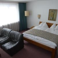 Standard Double Room with Balcony and Mountain View