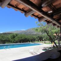 Hotel Pictures: Cabañas San Miguel, Cortaderas