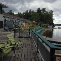 Hotel Pictures: Algonquin Lakeside Inn, Dwight