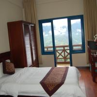 Standard Room with Mountain View