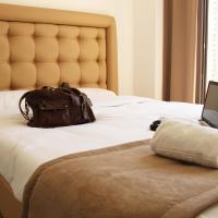 Hotel Pictures: Adonis Aix, Aix-en-Provence