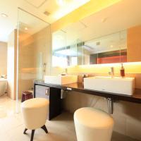Twin Room with Stone Bathtub