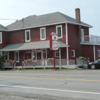 Hotel Pictures: Auberge Restaurant chez Mamie, Rivière-la-Madeleine