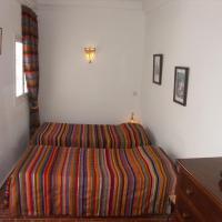 Tseud Standard Twin Room