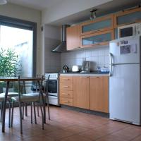 One-Bedroom Apartment with Terrace - Humboldt St.
