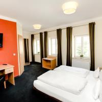 Hotel Pictures: Hotel Krone, Monheim