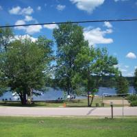 Hotel Pictures: Lakewoods Cottage Resort, Oxtongue Lake