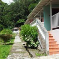 Hotel Pictures: Chez Ophelia Cottage Apartments, Roseau