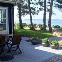 Hotel Pictures: Holiday home Havnsø C- 1655, Eskebjerg