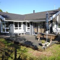 Hotel Pictures: Holiday home Blåbærstien F- 522, Torup Strand