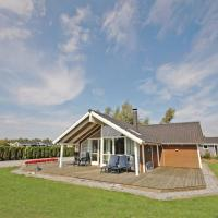 Hotel Pictures: Holiday home Elsdyrstien B- 998, Bøtø By