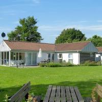 Hotel Pictures: Holiday home Engagervej H- 1020, Dyngby