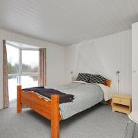 Hotel Pictures: Holiday home Halvrebene A- 1525, Odde
