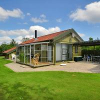 Hotel Pictures: Holiday home Kongelunden F- 2410, Hals
