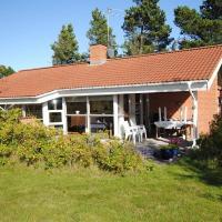 Hotel Pictures: Holiday home Landstien A- 2645, Torup Strand