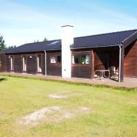 Hotel Pictures: Holiday home Lyngstien B- 2806, Torup Strand