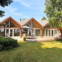 Hotel Pictures: Holiday home Poppelvænget C- 3535, Bogø By