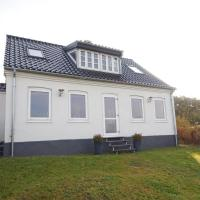 Hotel Pictures: Holiday home Skipperstræde A- 4053, Hou