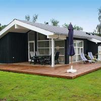 Hotel Pictures: Holiday home Skovbrynet E- 4081, Lindet
