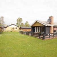 Hotel Pictures: Holiday home Stentoften B- 4470, Hesselager