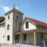 Hotel Pictures: La Tour Des Lys, Maubeuge
