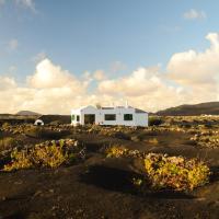 Hotel Pictures: Holiday home Eco Finca Alcairon, Masdache