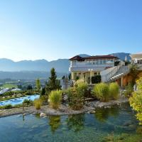 Hotel Pictures: Wellness Schloss Panorama Royal, Bad Häring
